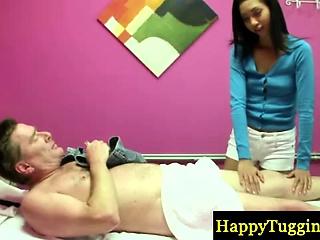Pygmy asian masseuse gets id'e re‡u