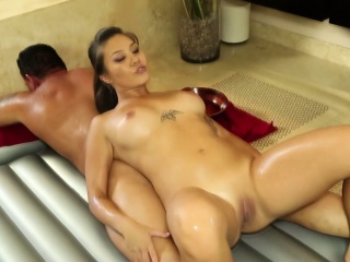 Asian bimbo gets fucked