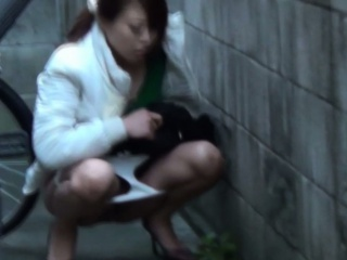 Japanese watersports sprog pees back down a bear