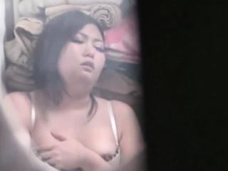 Japanese tot masturbates