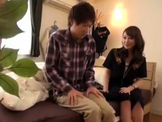 Hot Japanese MILF Bonking Regarding Young Sweetheart
