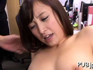 Playsome oriental Ayumi Kimino rides tissue