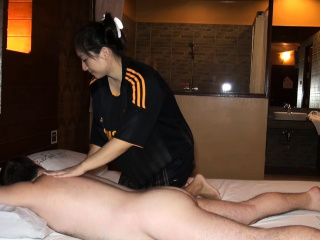 Big butt Asian amateur plumpness massage with the addition of fucked on top