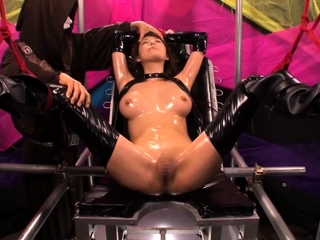 F55 Chelsea Latex Dom bdsm bondage depending femdom domination