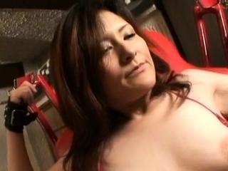 Attractive mature hussy Akane enjoys a wild sex