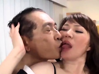 Kinky reproduce Japanese blowjob and hardcore fucking