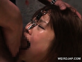 Asian cold coition slaved concerning cohere gets cunt toyed hardcore